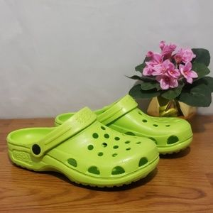 Holey Soles Canada Crocs style Sandals Size 6/7